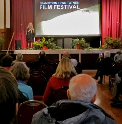 Mayor & film festival organiser Jacqi launches the weekend!